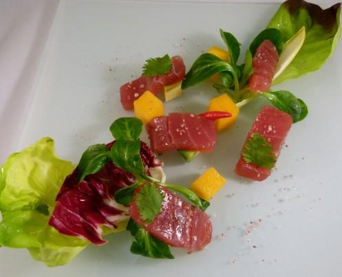 Tuna mit  Mango, Avocado und Rosella Salz
