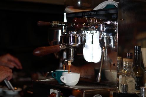 Espresso Robusta aus einer genialen Macchina