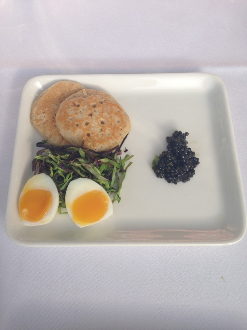 Kaviar mit Blinis