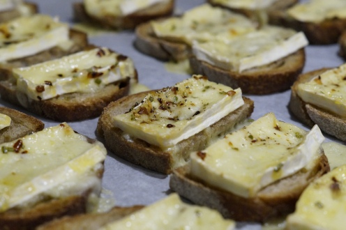 Camembert Toasts