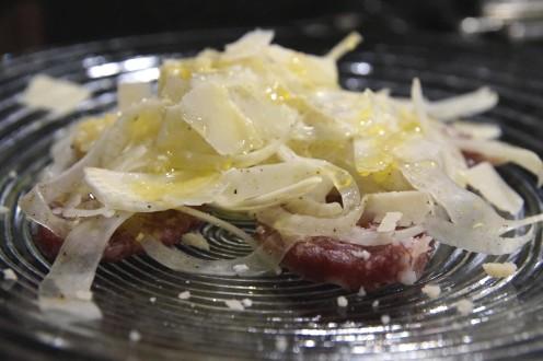 Fenchelsalat mit Salami und Parmesan