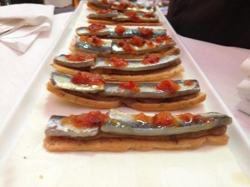 marinierte Sardinen auf Auberginen Focaccia