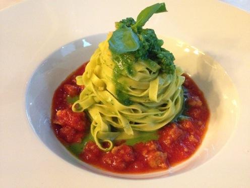 Tagliolini Cima di rapa, Tomaten, Salsiccia